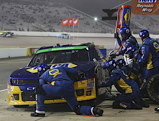 NNS Driver Points Lead Chase Elliott NAPA AUTO PARTS Chevrolet Richmond pit tires fuel