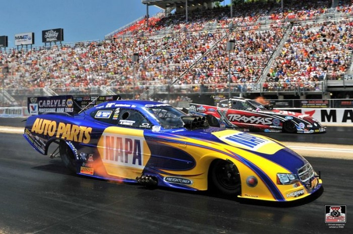 Capps NAPA Funny Car Bristol Dragway 2014 Vs Courtney Force