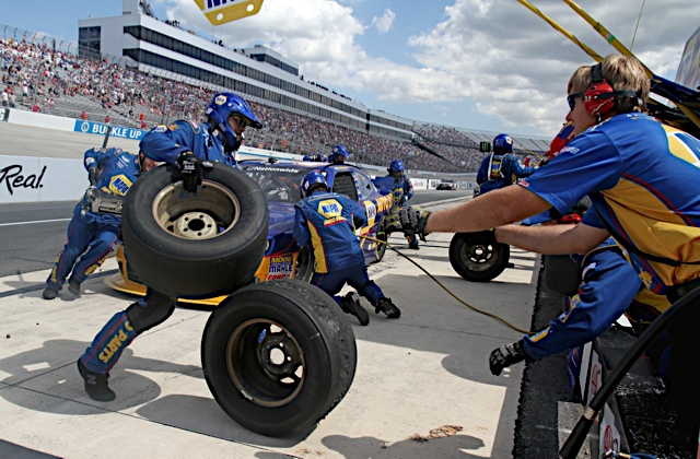 Chase Elliott Nationwide Series Dover International Speedway 2014 pit