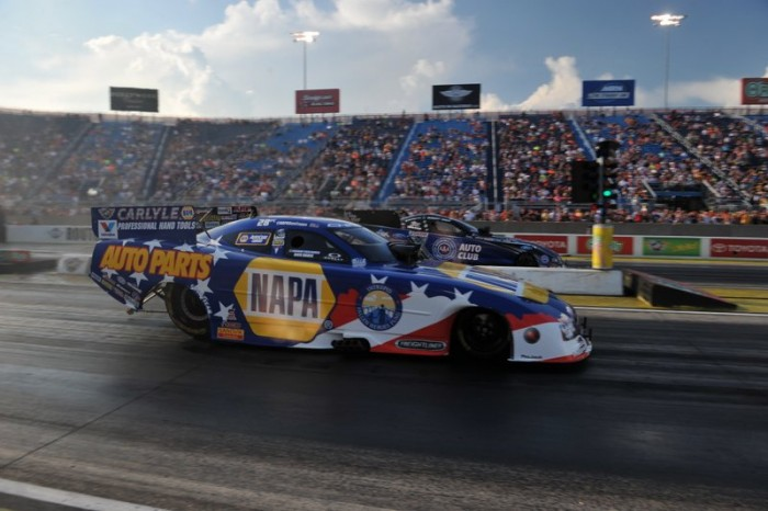 Ron Capps NAPA AUTO PARTS Dodge Charger RT Funny Car Route 66 NHRA Nationals Vs Hight