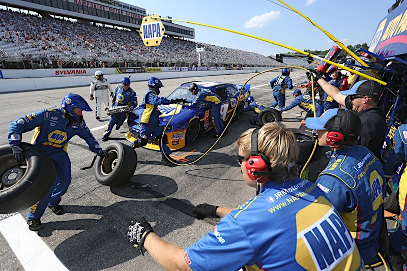 Chase Elliott NAPA AUTO PARTS Loudon NASCAR Nationwide Pit Stop