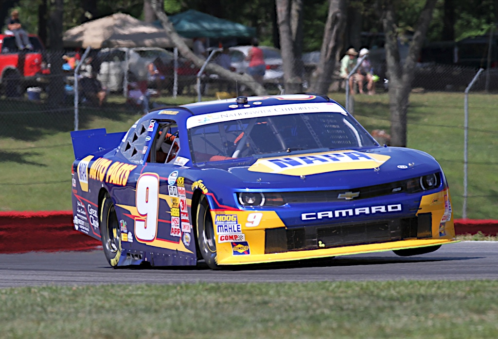 Fourth Place Finish at Mid-Ohio Course Keeps Elliott in Nationwide Series Points Lead