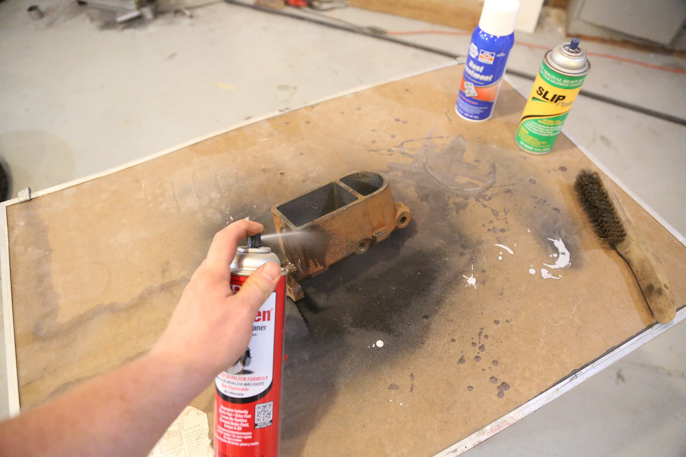 Brake cleaner is great for this type of work because it is safe for rubber parts and it dries fast leaving no residue.