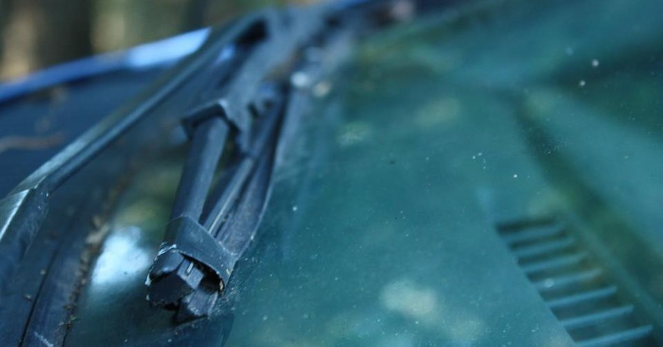 replace wiper blades - NAPA Know How blog taped