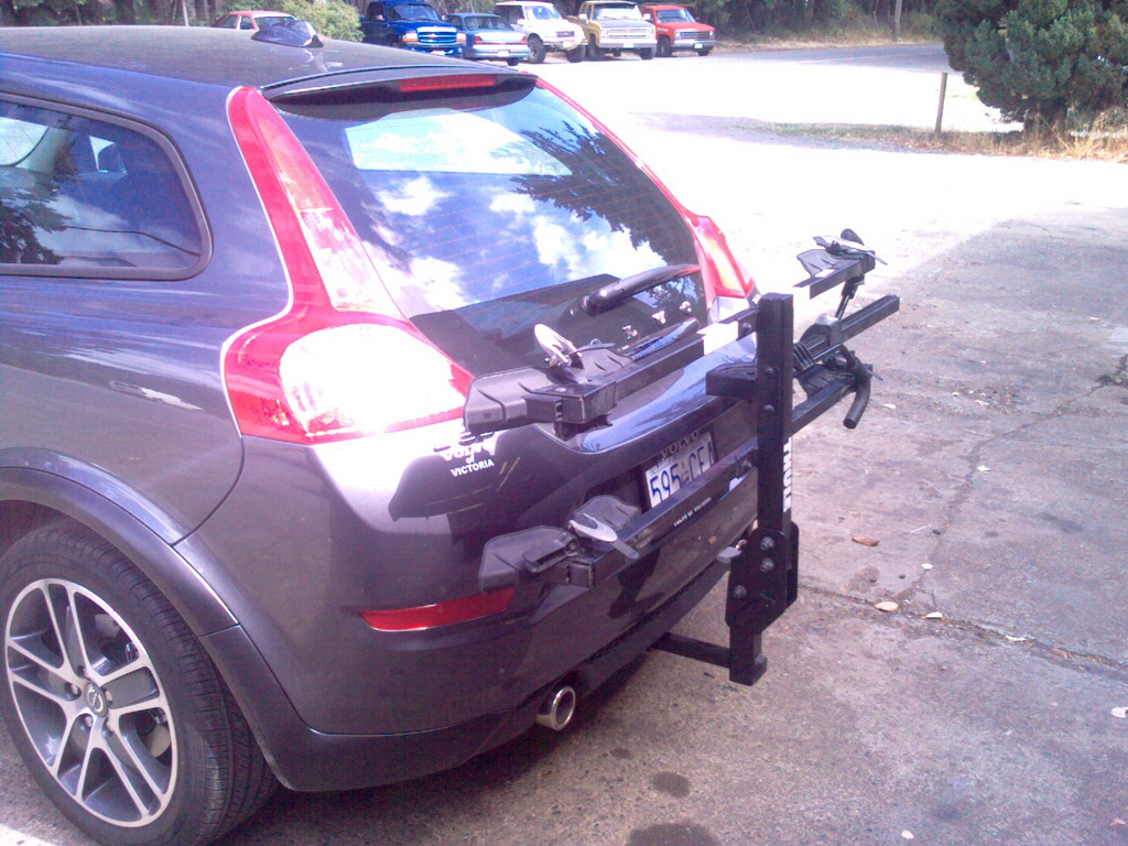 Buying a Trailer Hitch - Three Tips for Easy Cargo