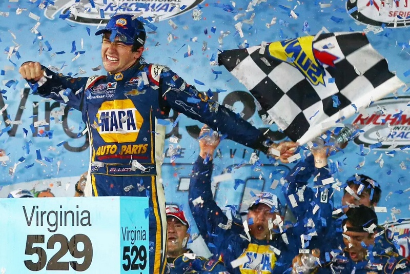 Chase Elliott wins Richmond 2015 NAPA AUTO PARTS JR Motorsports Celebrate