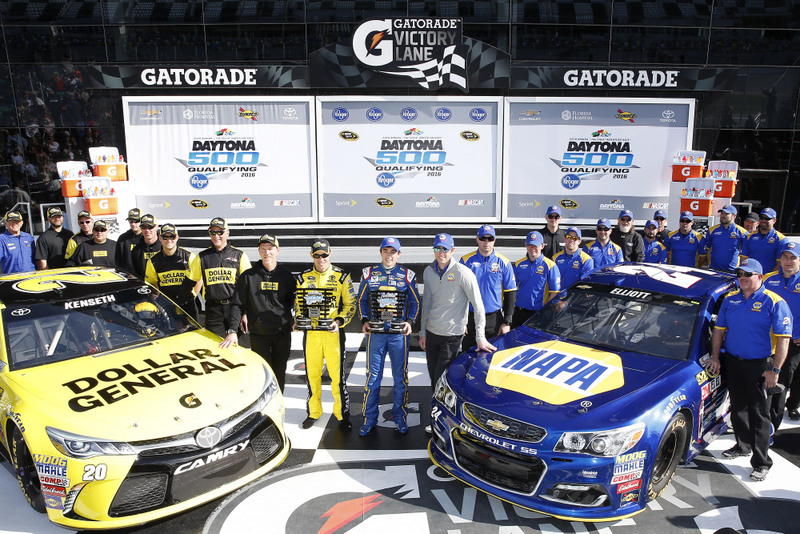 12-21 February, 2016, Daytona Beach, Florida, USA Chase Elliott and Matt Kenseth, Dollar General Toyota Camry pole award ©2016, Russell LaBounty NKP