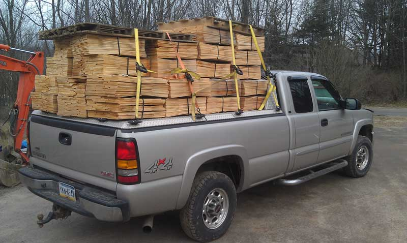 Tips on how to use ratchet straps. Photo credit: DiamondBack Truck Covers