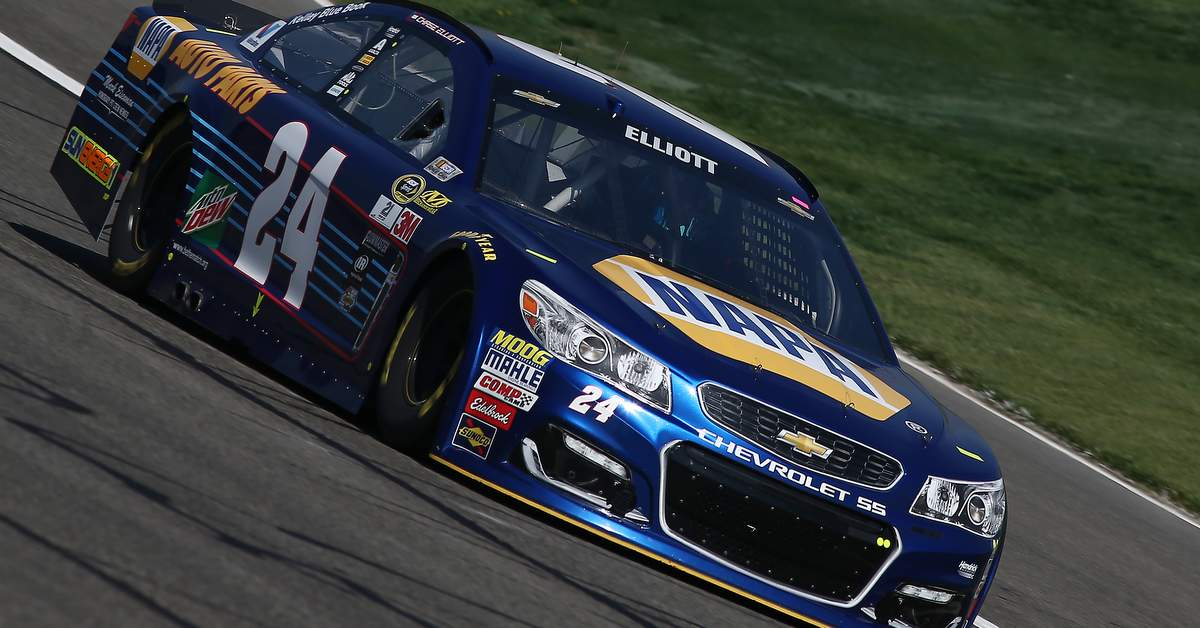 Chase-Elliott-Texas-Motor-Speedway-Preview-2016-NAPA-AUTO-PARTS-24