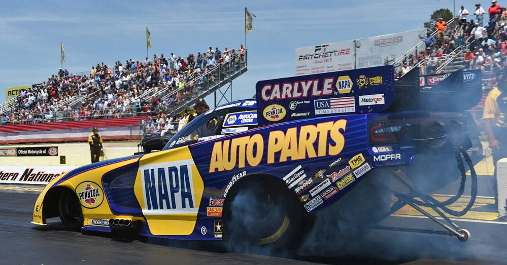 Ron-Capps-NAPA-AUTO-PARTS-Funny-Car-NHRA-Atlanta-2016-SouthernNats-burnout