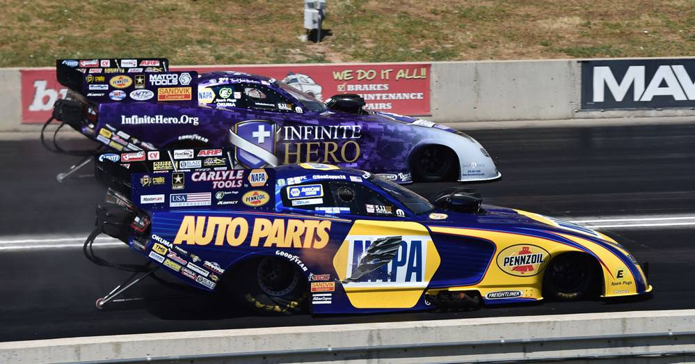 NHRA-Funny-Car-Points-lead-Ron-Capps-Bandimere-Mile-High-Nationals-2016-vs-Beckman