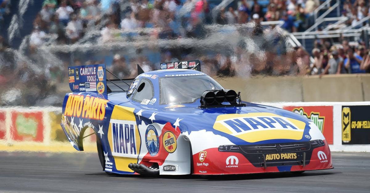 Ron-Capps-Route-66-Nationals-2016-NAPA-AUTO-PARTS-Intrepid-Heroes-NHRA-Funny-Car-Mid-Track