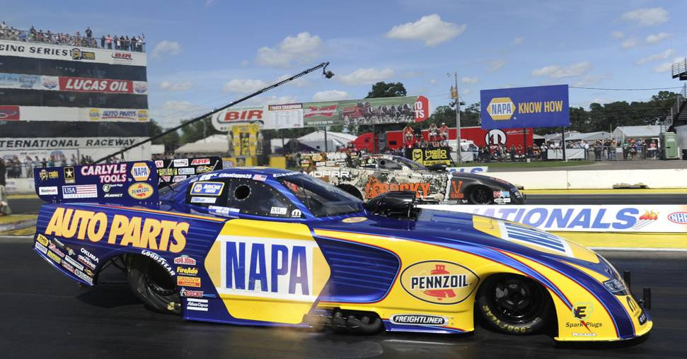 Ron-Capps-NAPA-AUTO-PARTS-NHRA-Brainerd-2016-vs-Hagan