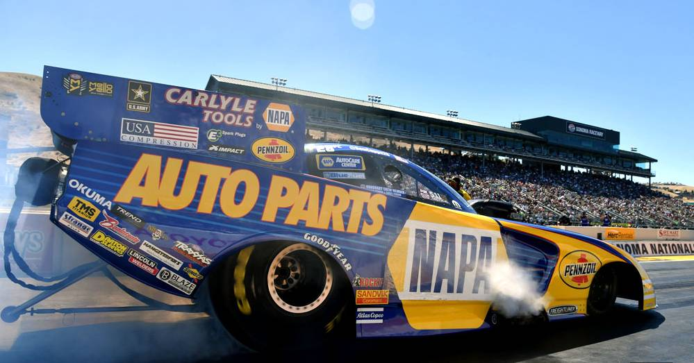 Ron-Capps-NAPA-AUTO-PARTS-Sonoma-Nationals-2016-NHRA-Funny-Car-points-leader-burnout.