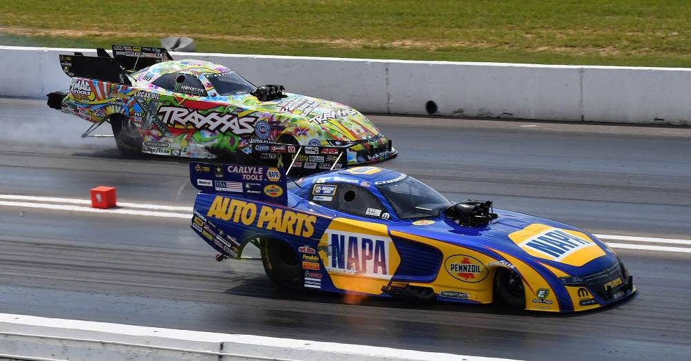 Ron-Capps-NAPA-Funny-Car-2016-NHRA-Midwest-Nationals-Countdown-vs-C-Force