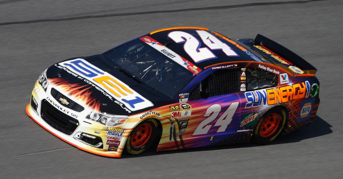 DAYTONA BEACH, FL - JULY 01: Chase Elliott, driver of the #24 SunEnergy1 Chevrolet, practices for the NASCAR Sprint Cup Series Coke Zero 400 at Daytona International Speedway on July 1, 2016 in Daytona Beach, Florida. (Photo by Brian Lawdermilk/Getty Images)