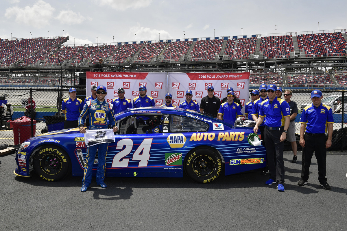 29 April-1 May, 2016, Talladega, Alabama USA Chase Elliott pole award.©2016, Logan Whitton/NKP