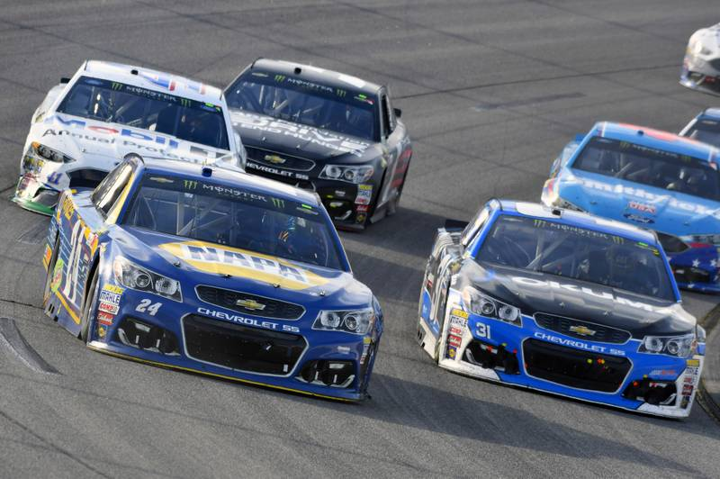 Monster Energy NASCAR Cup Series Toyota Owners 400 Richmond International Raceway, Richmond, VA USA Sunday 30 April 2017 Chase Elliott, Hendrick Motorsports, NAPA Brakes Chevrolet SS and Ryan Newman, Richard Childress Racing, Okuma Chevrolet SS World Copyright: Nigel Kinrade NKP