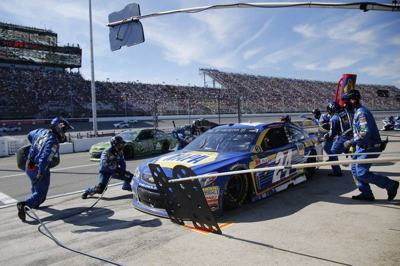 Monster Energy NASCAR Cup SeriesFireKeepers Casino 400Michigan International Speedway, Brooklyn, MI USASunday 18 June 2017Chase Elliott, Hendrick Motorsports, NAPA Chevrolet SS pit stopWorld Copyright: Matthew T. ThackerNKP