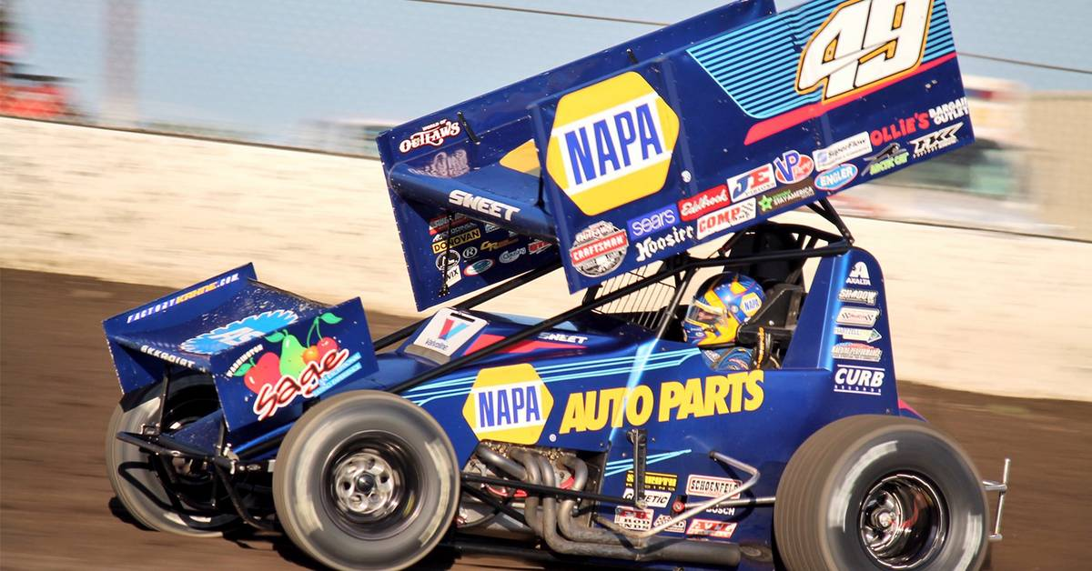 Brad-Sweet-49-NAPA-sprint-car-team-2017-racing