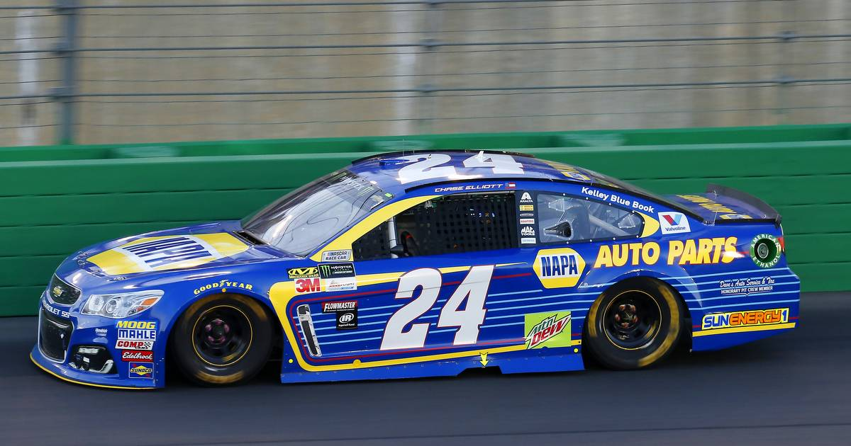 Chase-Elliott-No.-24-Team-Kentucky-2017-NAPA-AUTO-PARTS