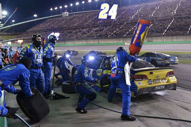 Monster Energy NASCAR Cup Series Quaker State 400 Kentucky Speedway, Sparta, KY USA Saturday 8 July 2017 Chase Elliott, Hendrick Motorsports, NAPA Chevrolet SS makes a pit stop, Sunoco World Copyright: Logan Whitton NKP
