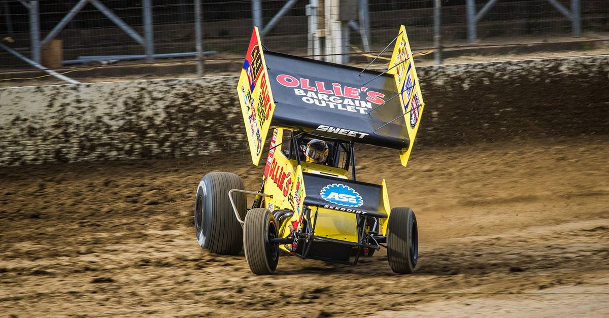 Brad-Sweet-Black-Hills-Billings-2017-World-of-Outlaws-Sprint-Car-slide