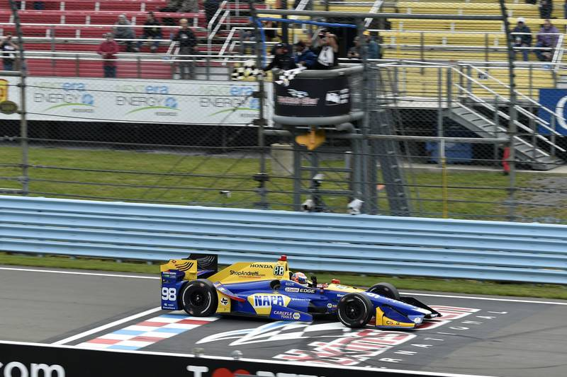 Verizon IndyCar Series IndyCar Grand Prix at the Glen Watkins Glen International, Watkins Glen, NY USA Sunday 3 September 2017 Alexander Rossi, Curb Andretti Herta Autosport with Curb-Agajanian Honda crosses the finish line under the checkered flag for the win World Copyright: Scott R LePage LAT Images ref: Digital Image lepage-170903-wg-7772