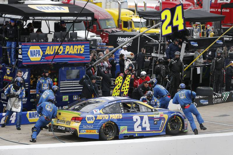 Monster Energy NASCAR Cup SeriesFirst Data 500Martinsville Speedway, Martinsville VA USASunday 29 October 2017Chase Elliott, Hendrick Motorsports, NAPA Chevrolet SS pit stopWorld Copyright: Matthew T. ThackerNKP