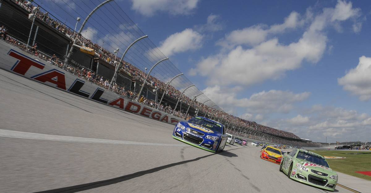 Monster Energy NASCAR Cup Series Alabama 500 Talladega Superspeedway Talladega, AL USA Sunday 15 October 2017 Dale Earnhardt Jr, Hendrick Motorsports, Mountain Dew Chevrolet SS, Chase Elliott, Hendrick Motorsports, NAPA Chevrolet SS. World Copyright: John K Harrelson NKP
