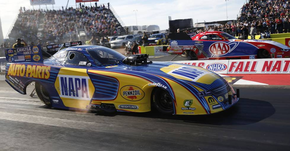 Ron-Capps-points-lead-NHRA-NAPA-AUTO-PARTS-Funny-Car-Dallas-2017-Final-Round