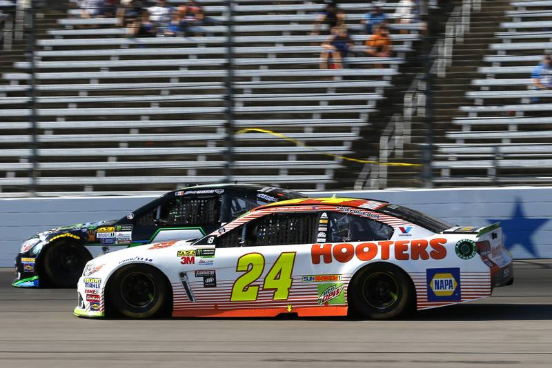 Monster Energy NASCAR Cup Series AAA Texas 500 Texas Motor Speedway Fort Worth, TX USA Sunday 5 November 2017 Chase Elliott, Hendrick Motorsports, Hooters Chevrolet SS and Joey Gase, Tommy Baldwin Racing, DonateLifeTexas.org Chevrolet SS World Copyright: Russell LaBounty NKP