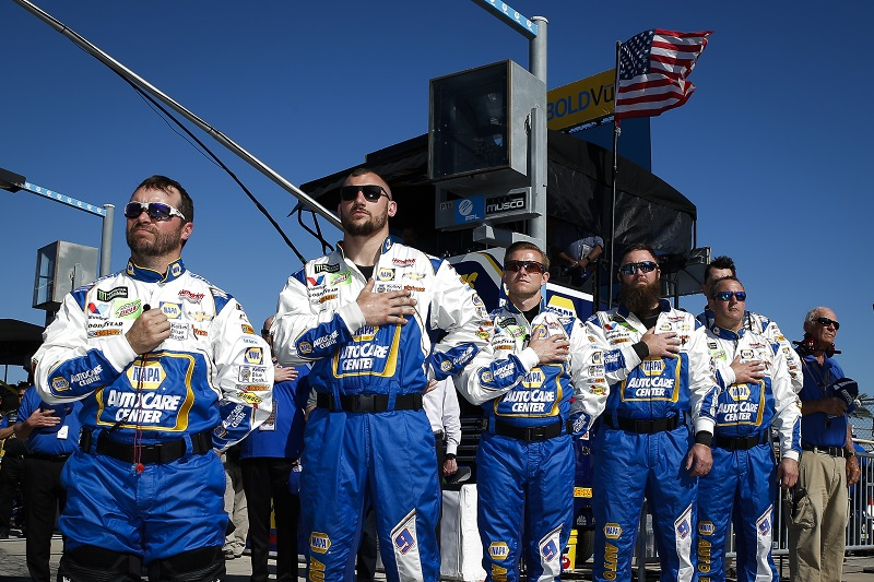Monster Energy NASCAR Cup Series Daytona 500 Daytona International Speedway, Daytona Beach, FL USA Sunday 18 February 2018 Chase Elliott, Hendrick Motorsports, NAPA Auto Parts Chevrolet Camaro crew, National Anthem World Copyright: Barry Cantrell NKP