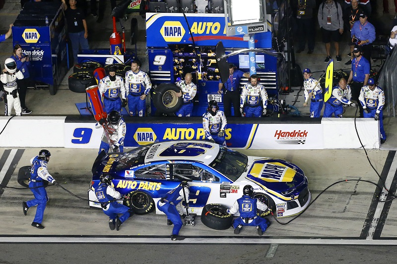 Monster Energy NASCAR Cup Series Can-Am Duel At Daytona Daytona International Speedway, Daytona Beach, FL USA Thursday 15 February 2018 Chase Elliott, Hendrick Motorsports, NAPA Auto Parts Chevrolet Camaro pit stop World Copyright: Russell LaBounty NKP