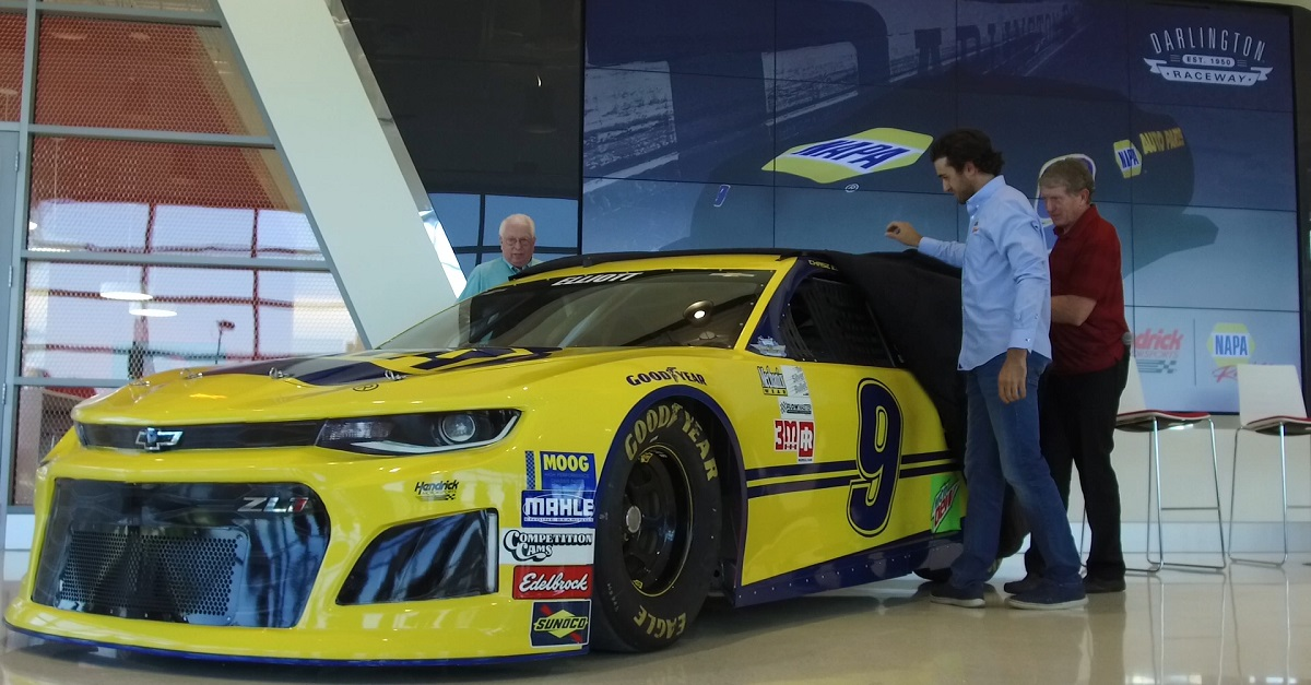 Chase Elliott NAPA throwback paint scheme 2018 reveal feat