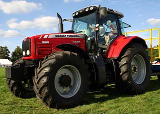 https://commons.wikimedia.org/wiki/File:Massey_Ferguson_6490_Dynashift.jpg
