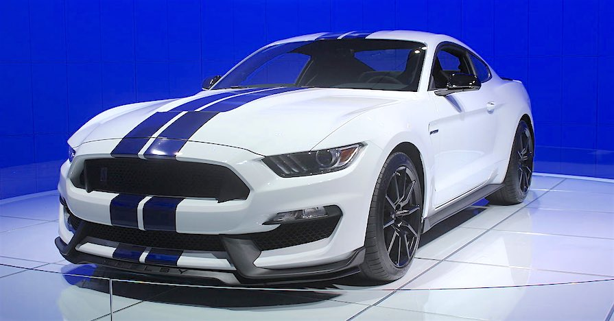 2016 Ford Mustang Shelby GT350 with traction control