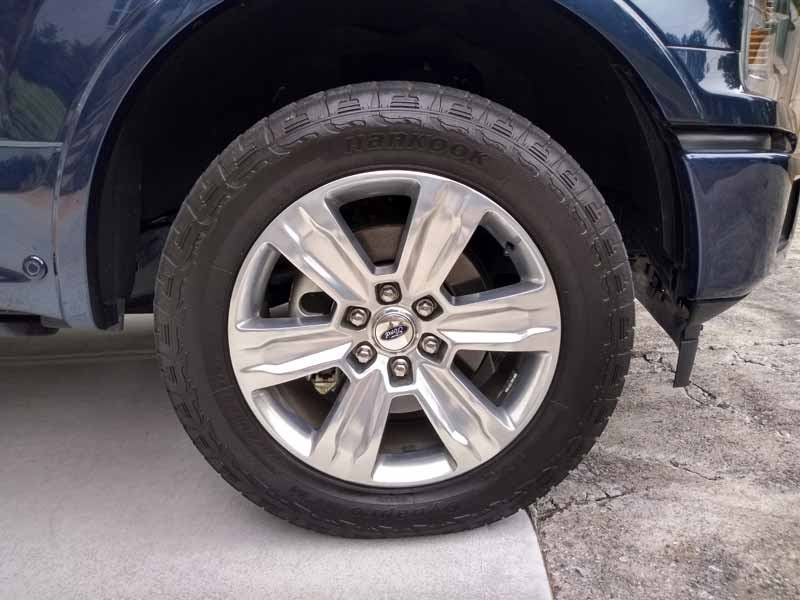 2018 Ford F-150 Diesel 4x4 SuperCrew Platinum tire and wheel
