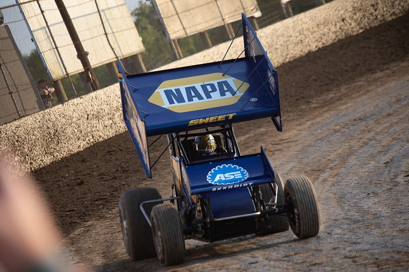 Brad Sweet NAPA AUTO PARTS 49 Outlaws KKR I-55 Pevely win