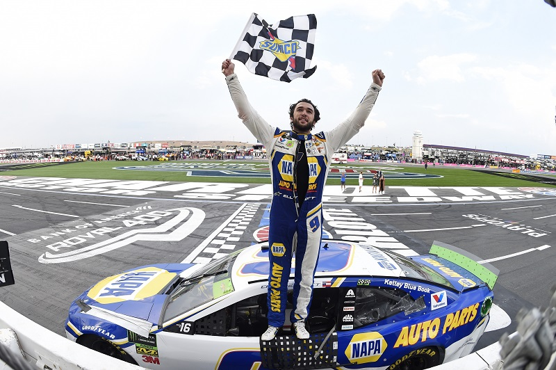 #9: Chase Elliott, Hendrick Motorsports, Chevrolet Camaro NAPA AUTO PARTS, celebrates after winning.