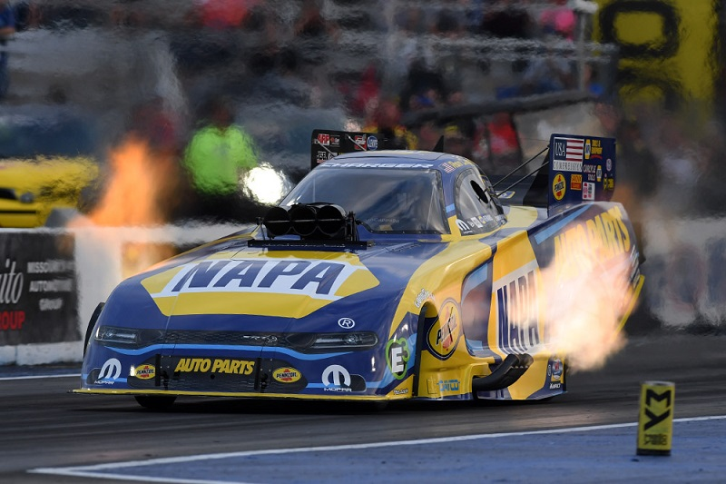 Ron Capps NHRA Countdown 2019 St Louis NAPA AUTO PARTS Dodge