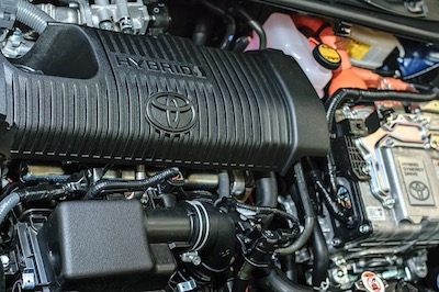 https://pixabay.com/photos/hybrid-car-toyota-engine-technology-2503566/