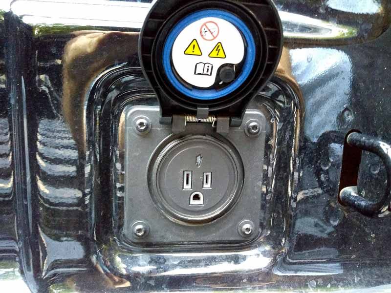 2020 Jeep Gladiator bed outlet