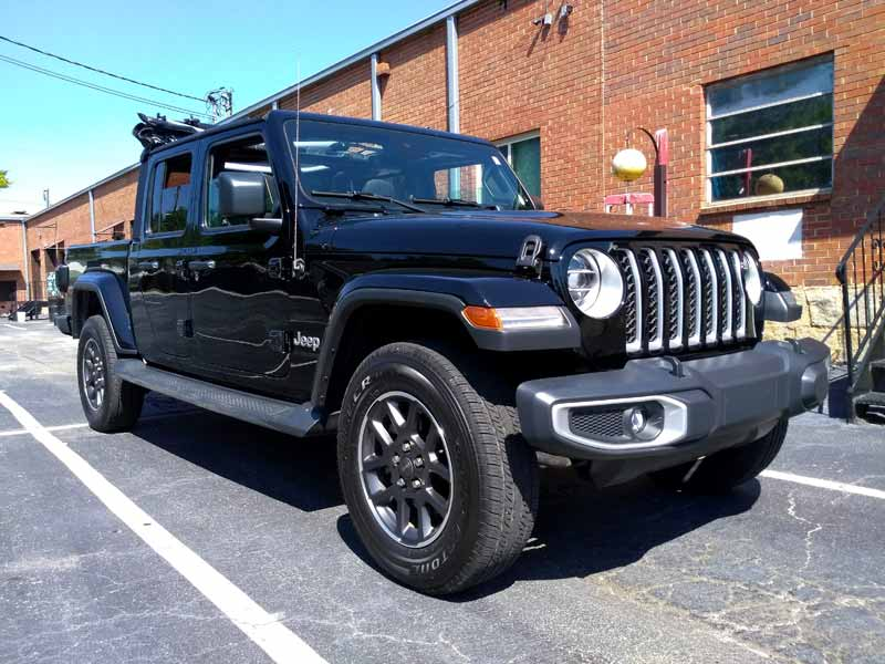 2020 Jeep Gladiator front view low