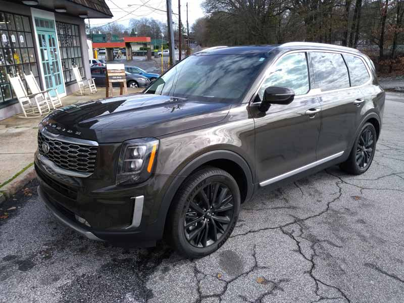 Kia Telluride front end view