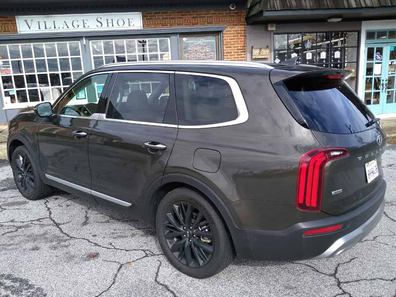Kia Telluride rear angle view