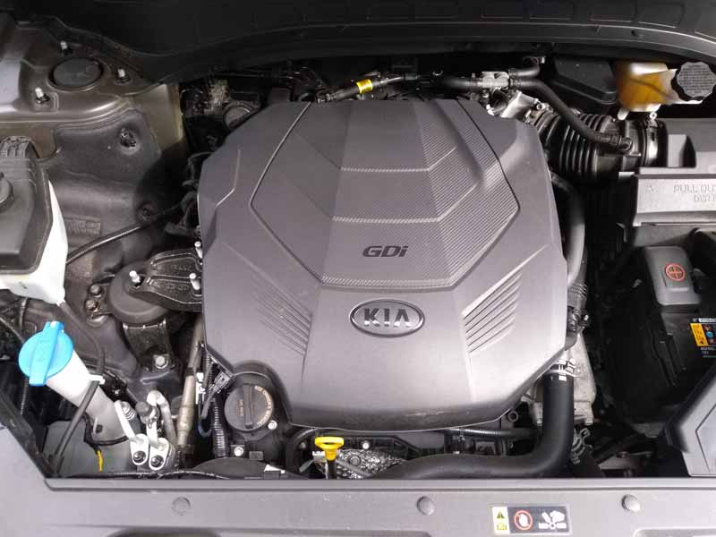 Kia Telluride engine overhead view