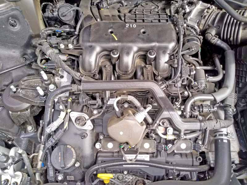 Kia Telluride engine without cover