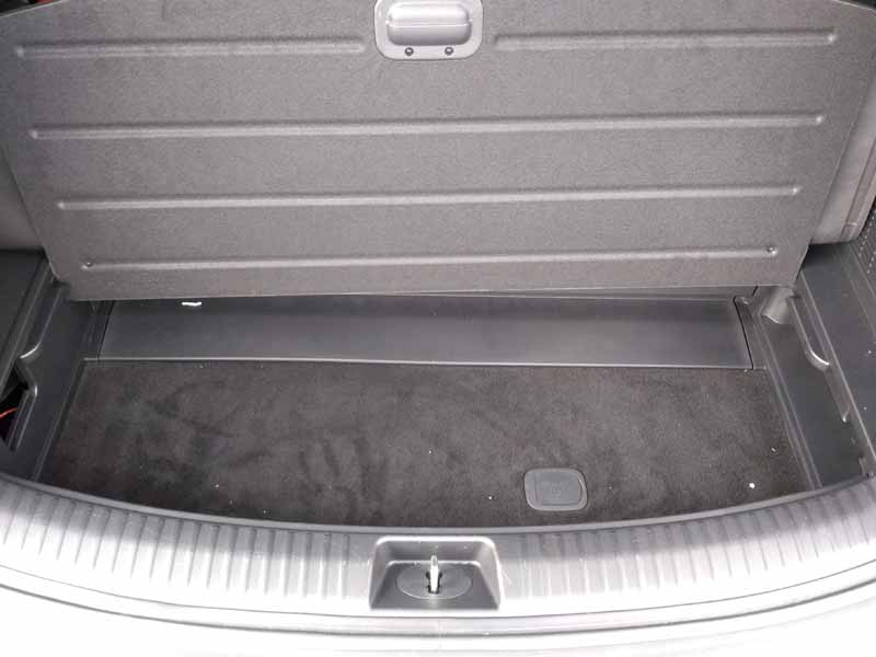 Kia Telluride rear storage compartment
