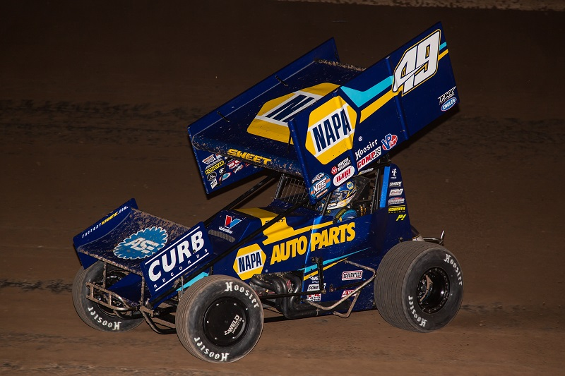 Brad Sweet NAPA AUTO PARTS 49 Outlaws sprint car Beaver Dam 2020 win